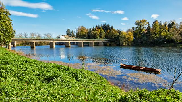 Most na rijeci Kupi nedaleko Ozlja