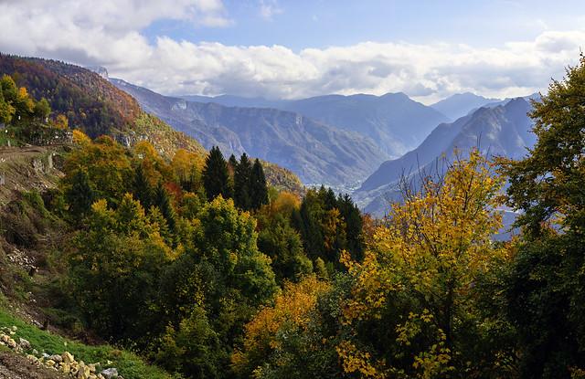 Herbst über dem Valdastico
