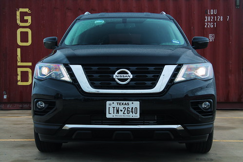 2019 Nissan Pathfinder by Container Photo