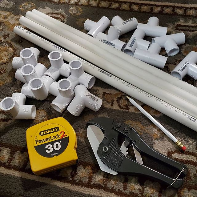 I got more supplies to make a third cage... and I realized that I don't have to build this outside at the veggie bed... I can do all the cutting and building indoors, then assemble it at the beds when it's daytime. #pvc #pvcpipes #tapemeasure #pvccutter #