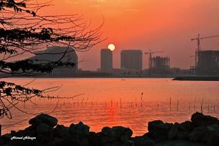 The first moments of sunrise .. اللحظات الأولى لشروق الشمــــس
