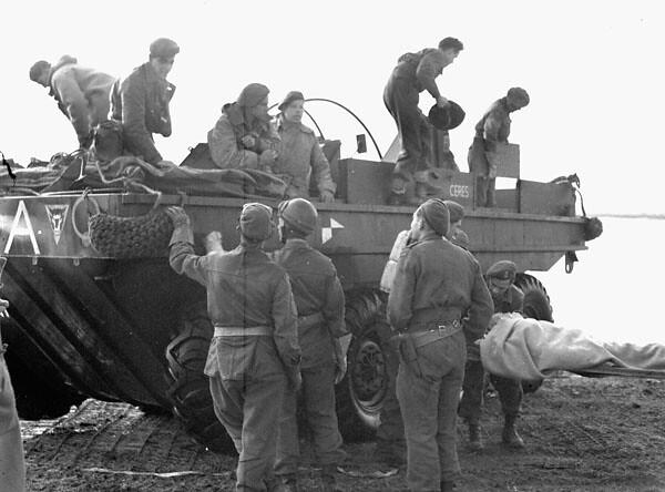Terrapin-north-shore-regiment-west-of-terneuzen-19441013
