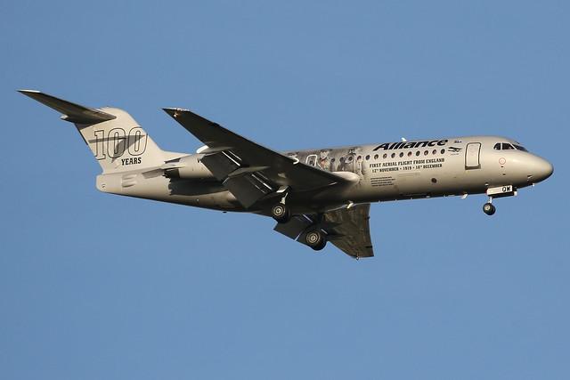 VH-QQW Alliance Aviation Fokker 100