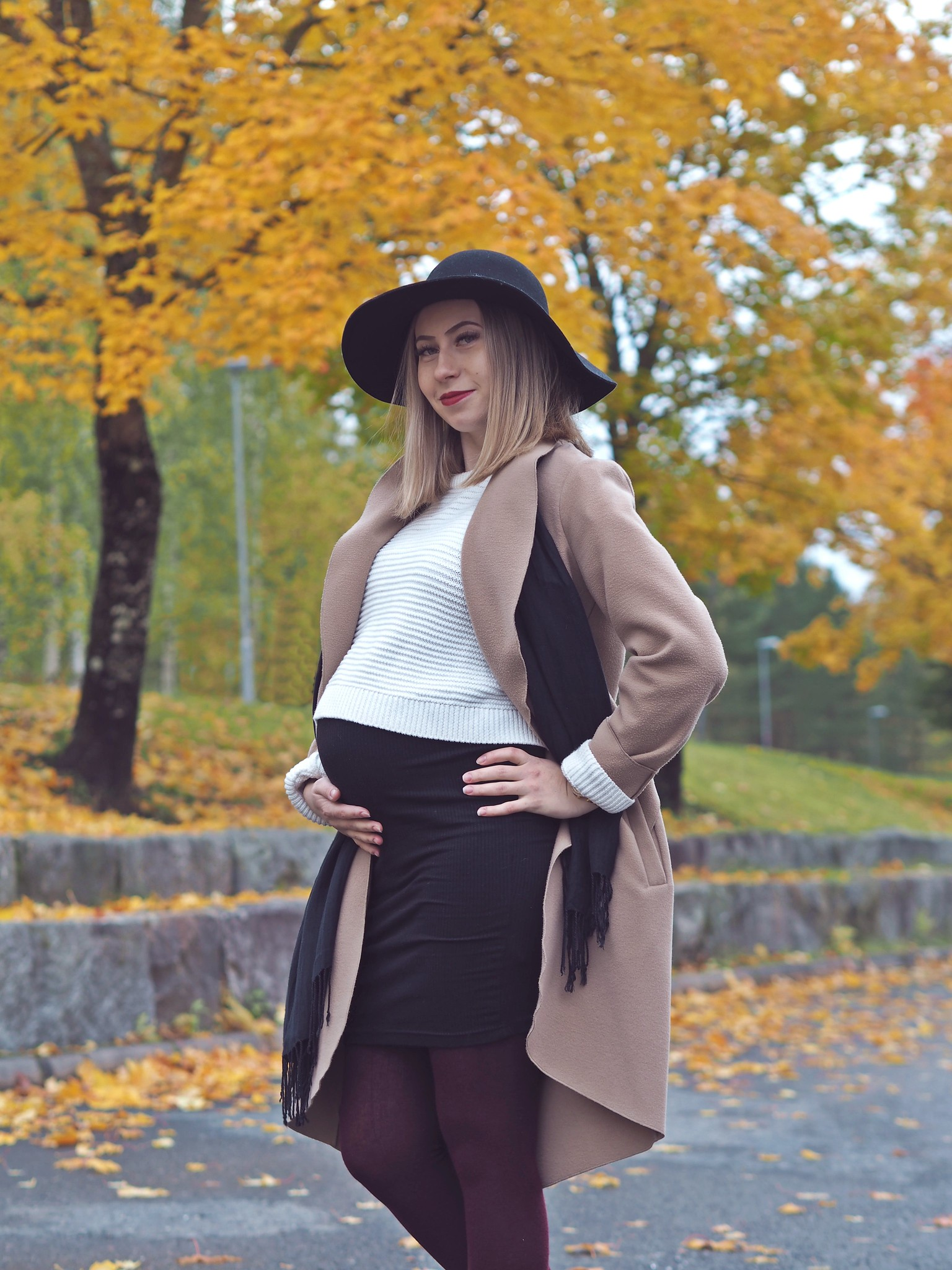 pregnancy autumn look