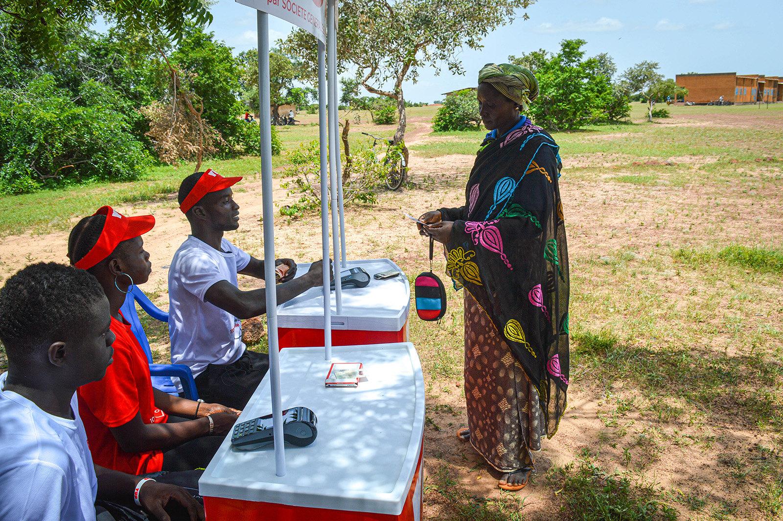 Emergency response through cash transfers in Burkina Faso