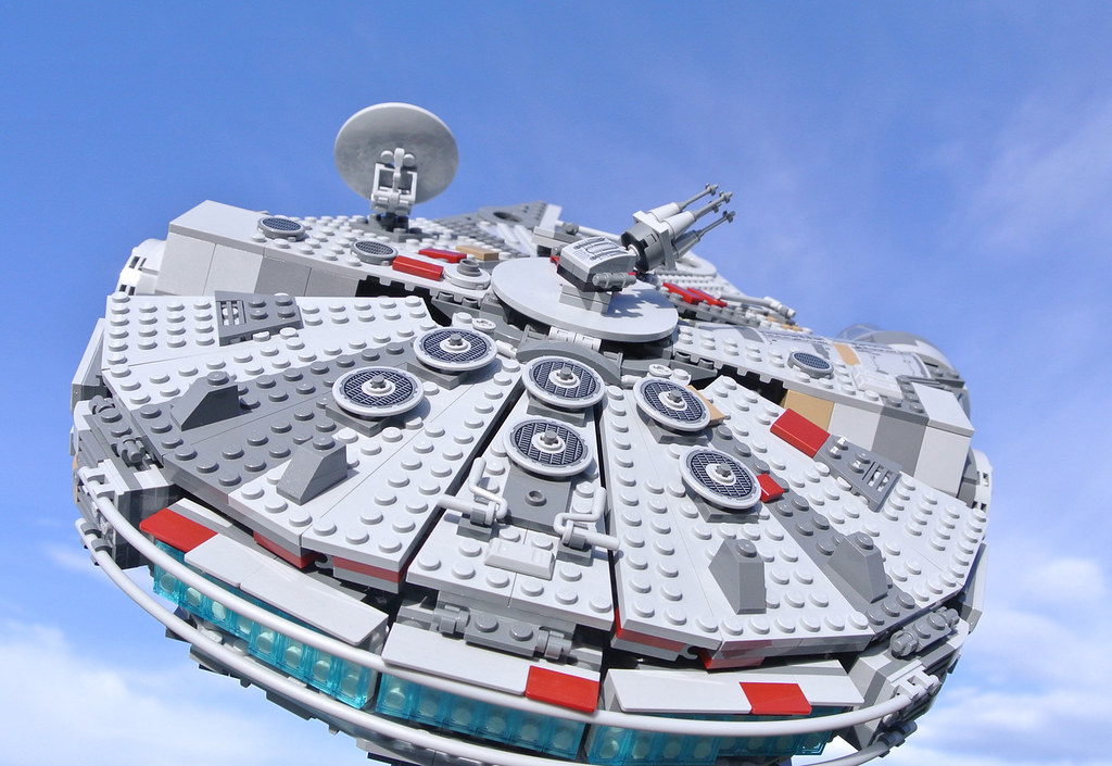 Review 75257 Millennium Falcon Brickset Lego Set Guide And Database