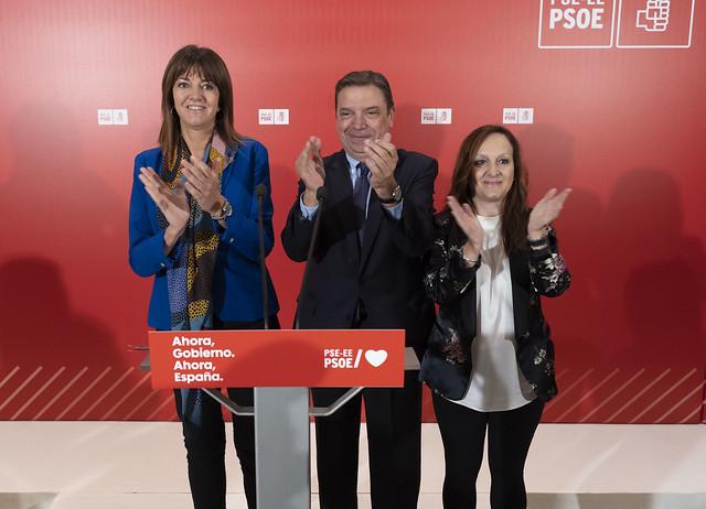 Luis Planas Idoia Mendia y Julia Liberal en Vitoria-Gasteiz