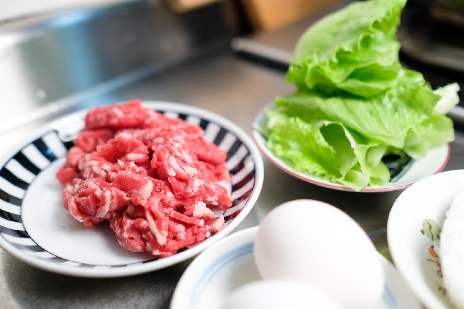老協珍熬湯粥-牛肉蔬菜滑蛋-準備牛肉