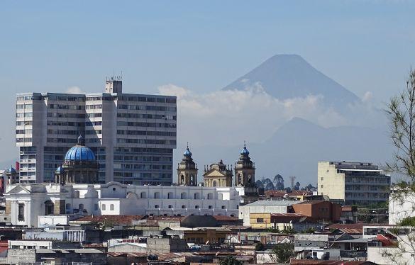 DSC00226GuatemalaGuatemalaCityCerritoDelCarmenUitzicht