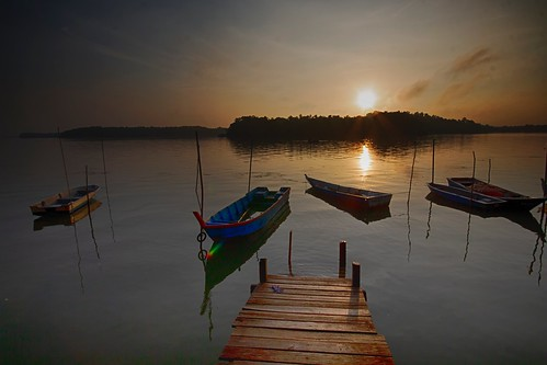 sunrise jetty boats seascape shoreline coast cloud sea sky lumut perak malaysia travel place trip canon eos700d canoneos700d sigmalens 10mm20mm wideangle happyplanet asiafavorites
