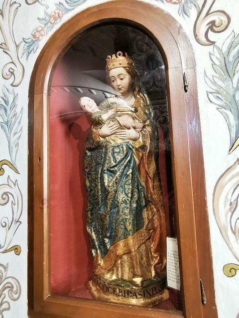 retablo capilla imagen Virgen del Socorro interior Iglesia del Carmen Antequera Malaga