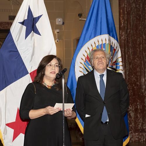 Nueva Embajadora de Panamá presenta credenciales