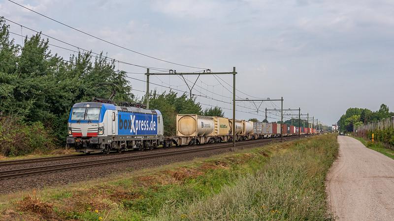 Horst-Sevenum boxXpress 193 834 met Kornwestheim Shuttle