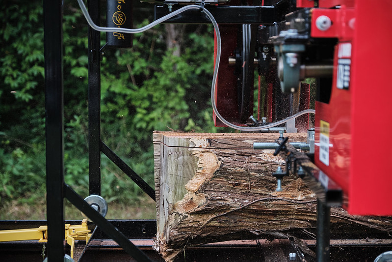Sawmill sawing