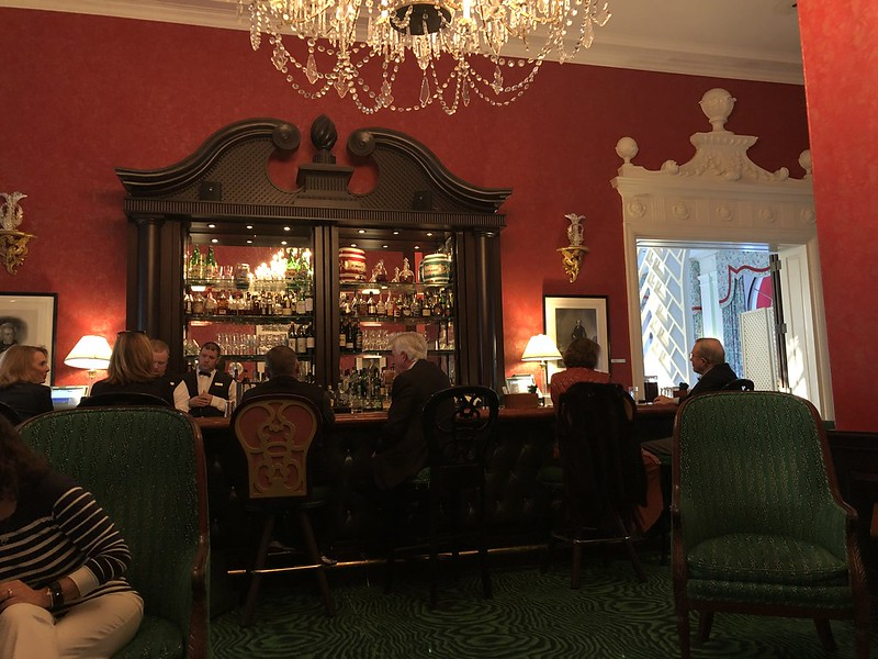 Greenbrier - the lobby bar