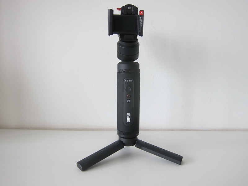 Zhiyun Smooth-Q2 - Phone Holder and Mini Tripod Attached