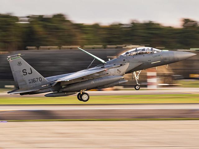 United States Air Force | McDonnell Douglas F-15E Strike Eagle | 88-1670