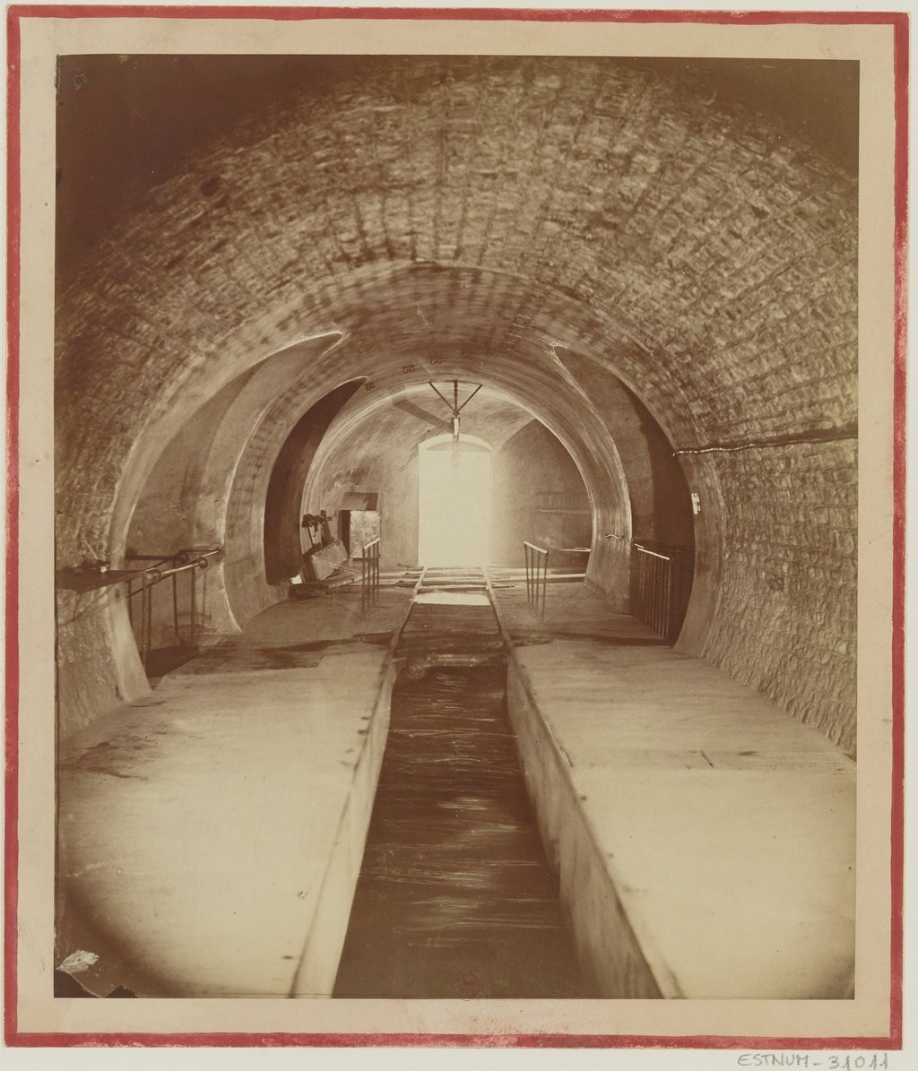 Paris sewers photographed by Nadar