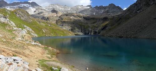 Lago Nero (2428 m), Alta Val Formazza (VCO, Piemonte, Italia). Sentiero da Riale al Lago Nero, per il Rif. Maria Luisa.