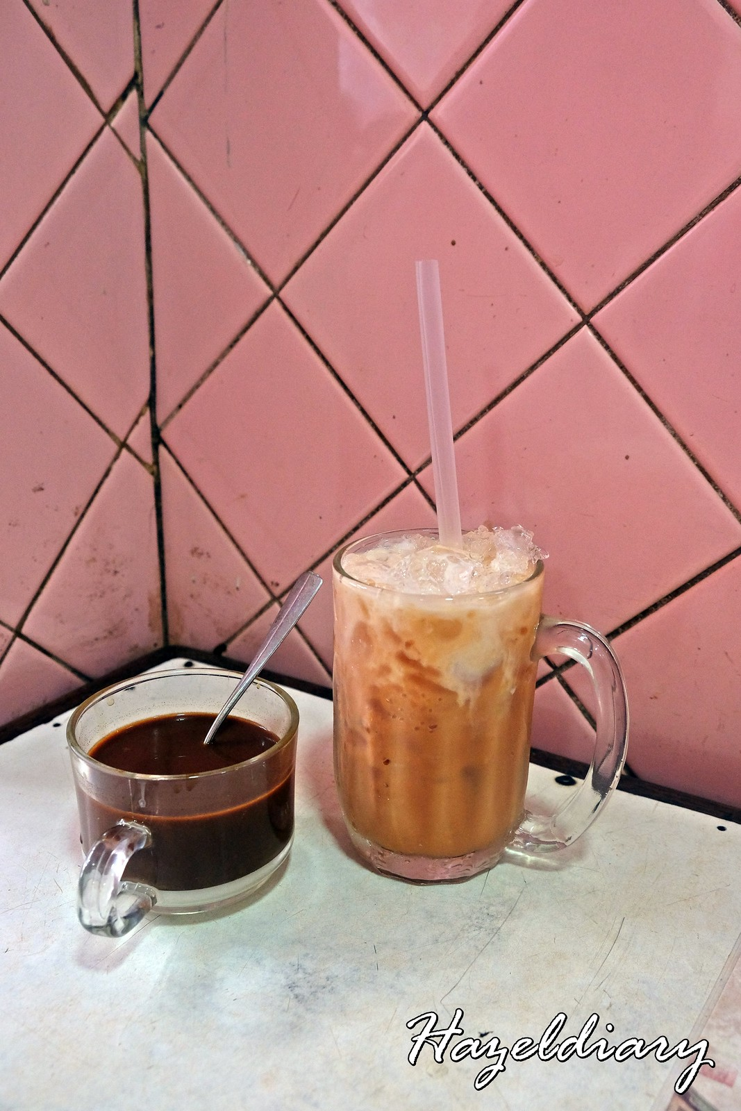 Eak Teng Yu Ki -Coffee and Ice tea with milk