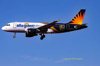 Arriving from Chi town Alleghiant Flight 461 in Golden Knights livery landing on 26L