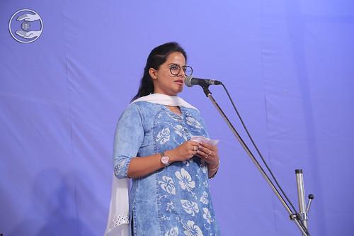 Devotional song by Namrata Batra Ji, Faridababd HR