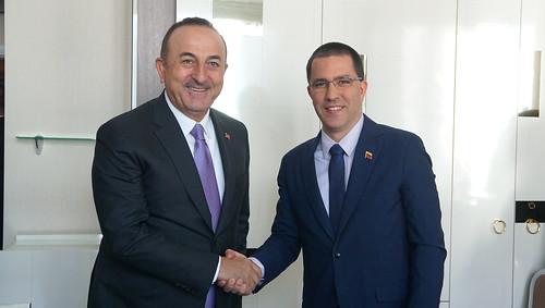 Canciller Jorge Arreaza se reunió con el canciller de la República de Turquía, Mevlüt Çavuşoğlu para reforzar la cooperación y amistad entre ambos pueblos.