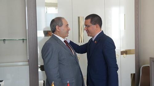 Venezuela y Siria potencian las relaciones bilaterales durante un encuentro entre el Canciller Jorge Arreaza y el Viceministro de Asuntos Exteriores, Faisal Meqdad.