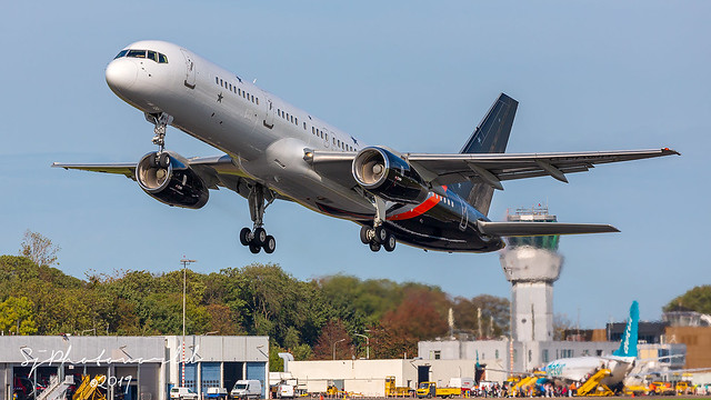 Titan Airways Boeing B757-2 G-POWH