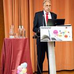 Ter, 22/10/2019 - 15:19 - A Escola Superior de Tecnologia da Saúde de Lisboa (ESTeSL-IPL) assinalou o inicio do ano letivo com uma Sessão Solene dedicada ao tema 'E-learning', que culminou com a apresentação do primeiro curso 'online, aberto e massivo', de 'Introdução à Epigenética'. A cerimónia decorreu no auditório da ESTeSL, no dia 22 de outubro de 2019, e contou com a presença de Elmano Margato, presidente do IPL, Maria Beatriz Roda, presidente da Associação de Estudantes da ESTeSL, Anabela Graça, presidente da ESTeSL, entre outros representantes e membros da comunidade académica do Politécnico de Lisboa.
