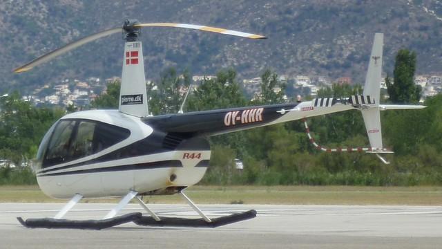 Robinson R 44 Clipper II en el aerodromo de Empuriabrava
