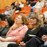 Ter, 22/10/2019 - 15:39 - A Escola Superior de Tecnologia da Saúde de Lisboa (ESTeSL-IPL) assinalou o inicio do ano letivo com uma Sessão Solene dedicada ao tema 'E-learning', que culminou com a apresentação do primeiro curso 'online, aberto e massivo', de 'Introdução à Epigenética'. A cerimónia decorreu no auditório da ESTeSL, no dia 22 de outubro de 2019, e contou com a presença de Elmano Margato, presidente do IPL, Maria Beatriz Roda, presidente da Associação de Estudantes da ESTeSL, Anabela Graça, presidente da ESTeSL, entre outros representantes e membros da comunidade académica do Politécnico de Lisboa.