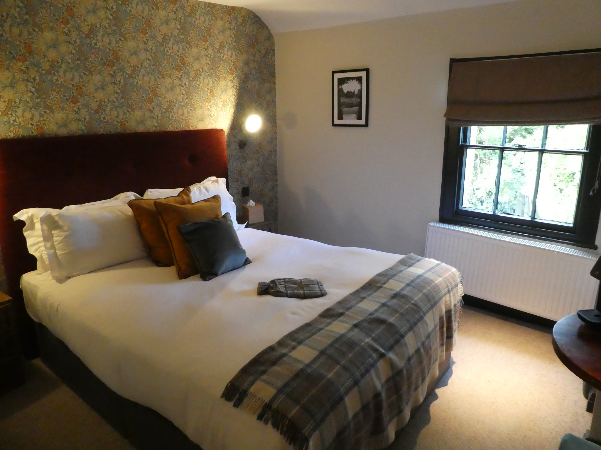 Hotel room, Pheasant Inn, Highclere