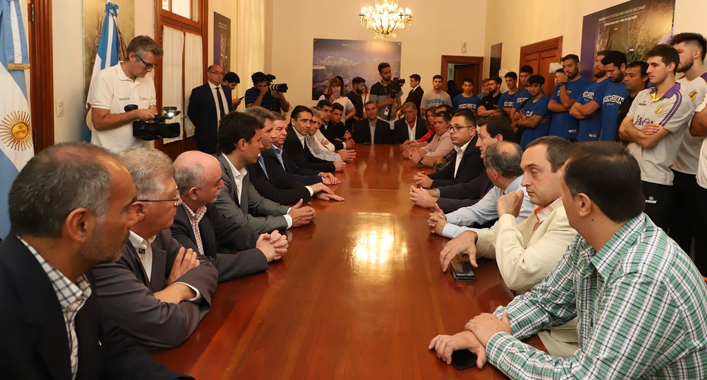 2019-10-24 PRENSA: Integrantes de la Selección Sanjuanina de Básquet  Saludaron al Gobernador