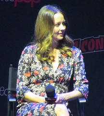 "Amy Acker ""Fred"""