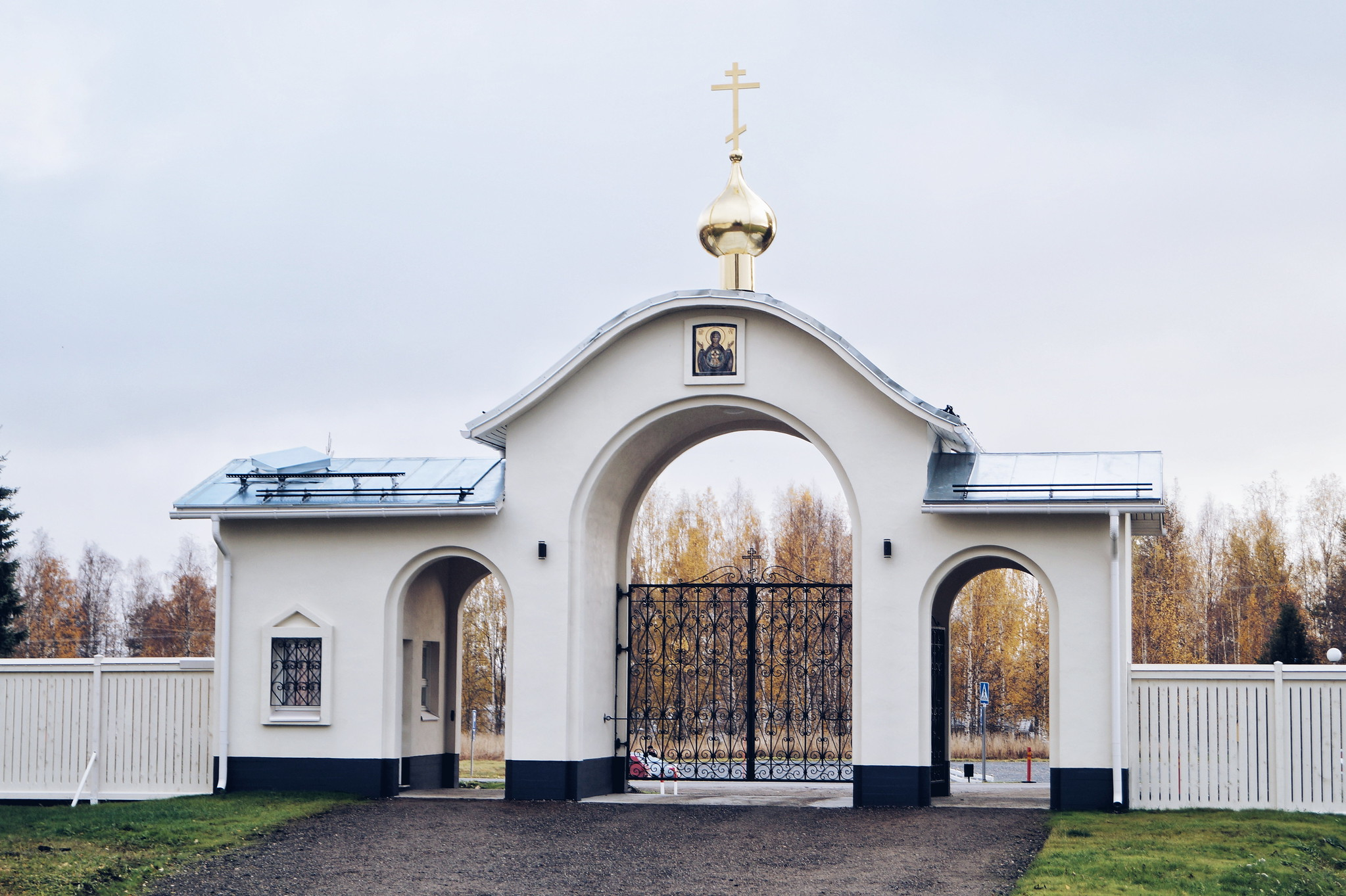 suomalainen-luostari