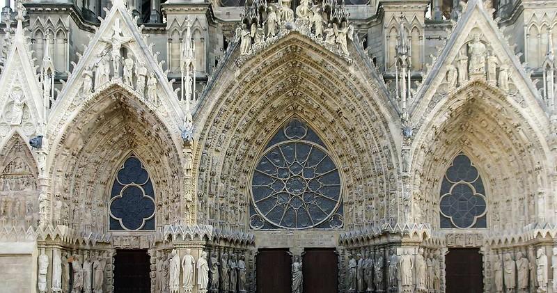 099 Порталы Реймсского собора