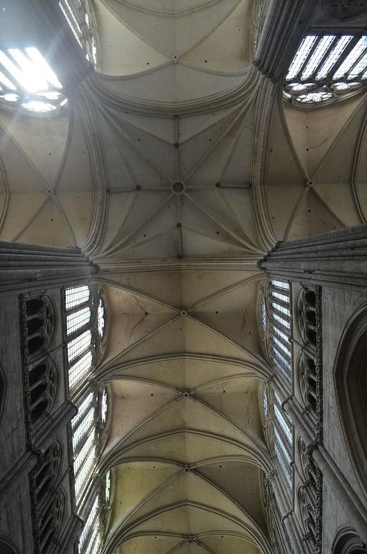 115 Своды Амьенского собора