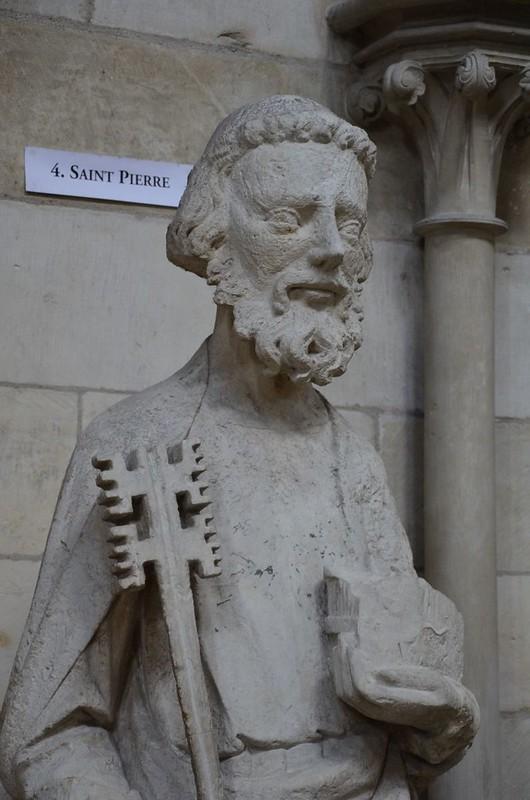 097 Ап.Петр Статуя XIII в. с фасада собора