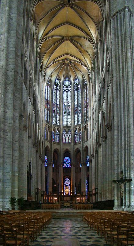 128 Хор собора в Бове (48,5 м)