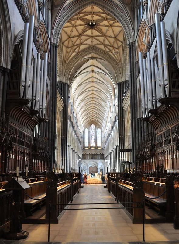 162 Центральный неф собора