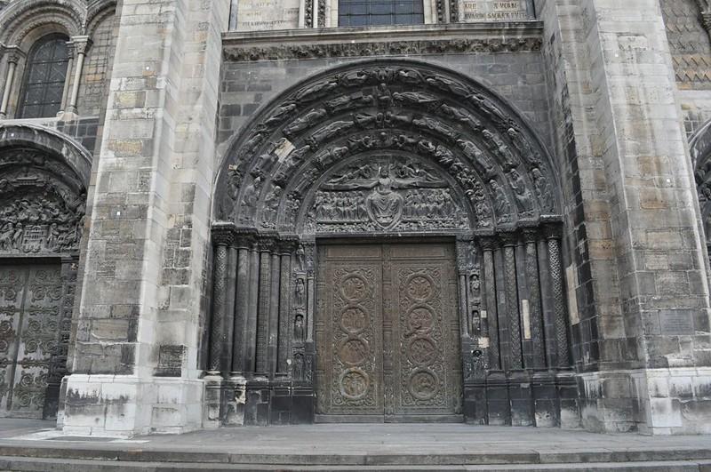003 Центральный портал Сен-Дени XII в