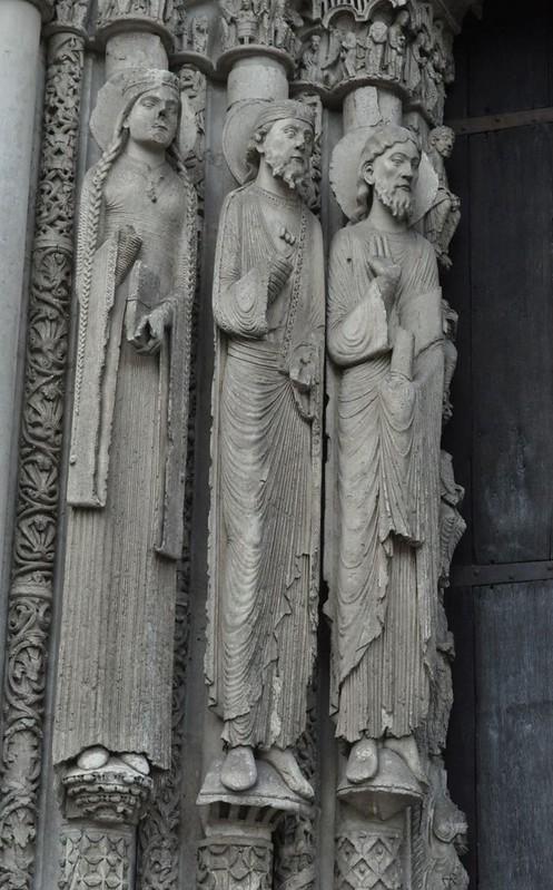 042 Скульптура Центрального (Королевского) портала