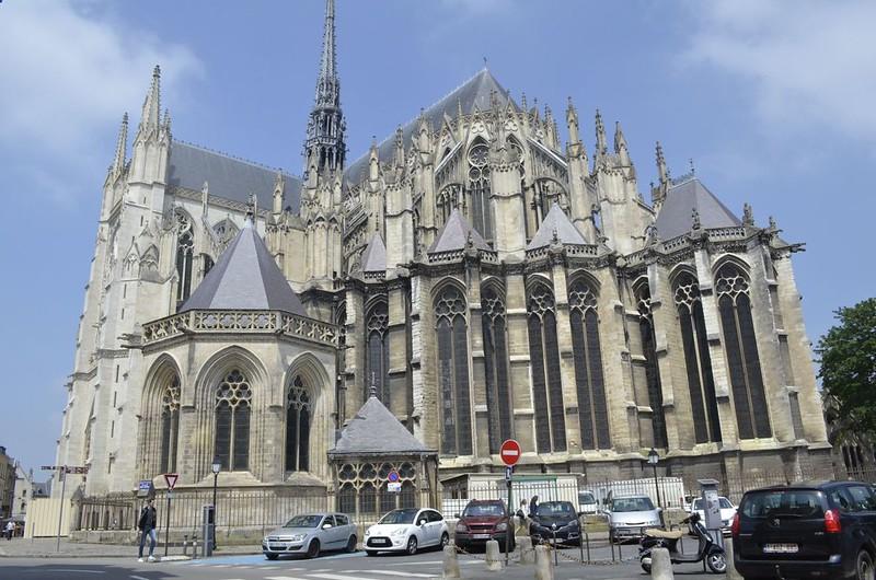 111 Венец капелл Собора в Амьене