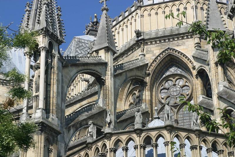 101 Контрфорсы и аркбутаны Реймсского собора