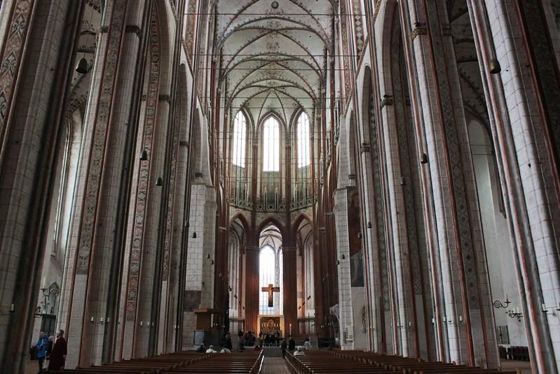 139 Центральный неф церкви Марии в Любеке высота 38 м