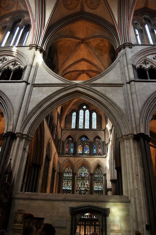 164 Западный (алтарный) трансепт собора