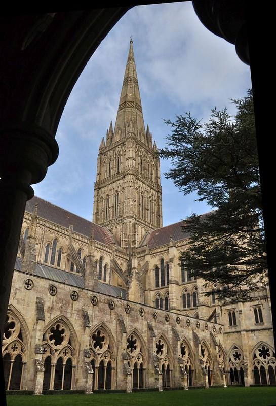 159 Центральная башня собора со шпилем (1313-1320)