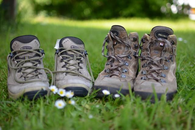 landscape-nature-path-grass-shoe-woman-1048657-pxhere.com