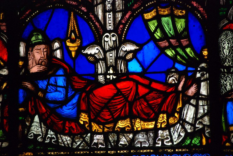 015 Витраж базилики Сен-Дени Праотец Иессей из Древа Иессеева, XIIв